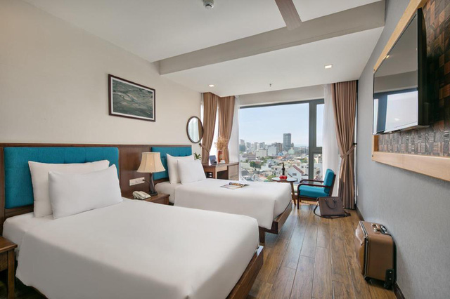 """Loạt khách sạn 4 sao Đà Nẵng giá rẻ """"giật mình"""": Chưa tới 500.000 đồng/đêm, vị trí ngay trung tâm, có cả hồ bơi, ăn sáng miễn phí  - Ảnh 7."""