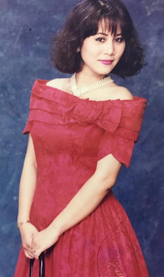 Cuộc đời NSND Minh Hằng: 25 năm lẻ bóng, hạnh phúc mới chưa được bao lâu thì chồng ra đi vì bạo bệnh - Ảnh 4.