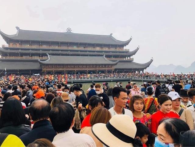 Sau việc biển người ở chùa Tam Chúc, Bộ Văn hoá, Giáo hội Phật giáo chỉ đạo gấp phòng, chống dịch Covid-19 - Ảnh 1.