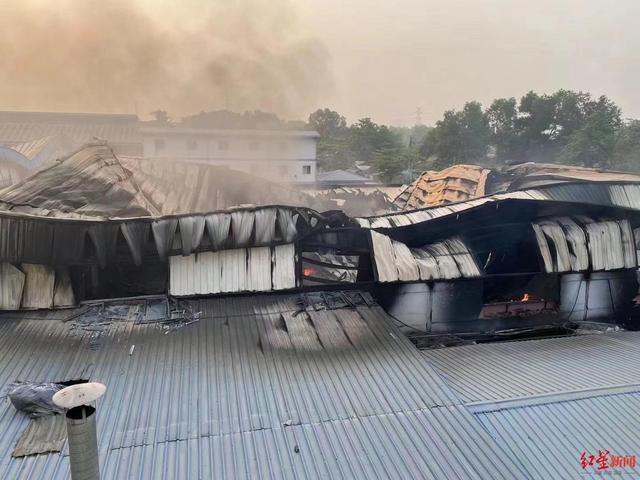 Hé lộ tin nhắn về đòn thù khủng khiếp: Một dân thường Myanmar bị giết là một nhà máy Trung Quốc ra tro - Ảnh 2.