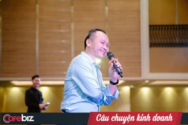 Ông Đinh Anh Huân làm gì để chiêu mộ ông Ngô Nguyên Kha về làm CEO mảng thời trang ở Seedcom? - Ảnh 1.