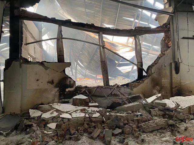 Hé lộ tin nhắn về đòn thù khủng khiếp: Một dân thường Myanmar bị giết là một nhà máy Trung Quốc ra tro - Ảnh 4.