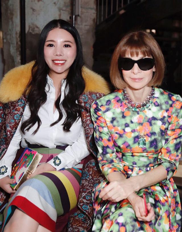 Ái nữ của ông hoàng cửa gỗ châu Á: Phú nhị đại phá vỡ mọi quy tắc, cực kỳ quyền lực của giới thời trang với kho hàng hiệu khổng lồ ai cũng choáng ngợp - Ảnh 4.