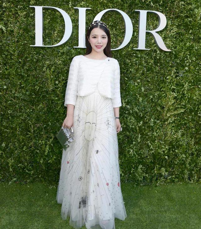 Ái nữ của ông hoàng cửa gỗ châu Á: Phú nhị đại phá vỡ mọi quy tắc, cực kỳ quyền lực của giới thời trang với kho hàng hiệu khổng lồ ai cũng choáng ngợp - Ảnh 5.