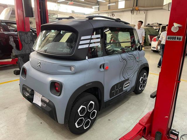 Citroen Ami đầu tiên về Việt Nam: Xe điện đô thị thiết kế lạ, 2 chỗ, giá quy đổi hơn 150 triệu đồng - Ảnh 1.