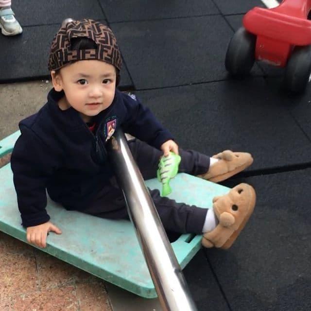 Á hậu kết hôn với thiếu gia ngành xây dựng, con trai sinh ra đã ngậm thìa vàng, 2 tuổi được bố mẹ gửi gắm vào trường học phí đắt nhất Hà thành - Ảnh 9.
