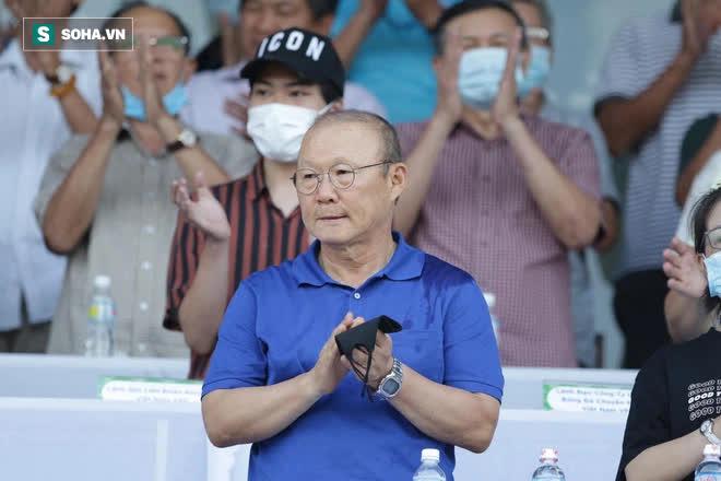 Tân binh bí ẩn ở ĐT Việt Nam từng đi bán giày, nghỉ bóng đá 2 năm vì chấn thương quái ác - Ảnh 5.