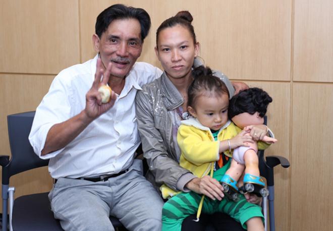 Chuyện tình của Thương Tín và vợ 4 kém 32 tuổi: Là sự cố ngoài ý muốn, được con trai ủng hộ - Ảnh 3.