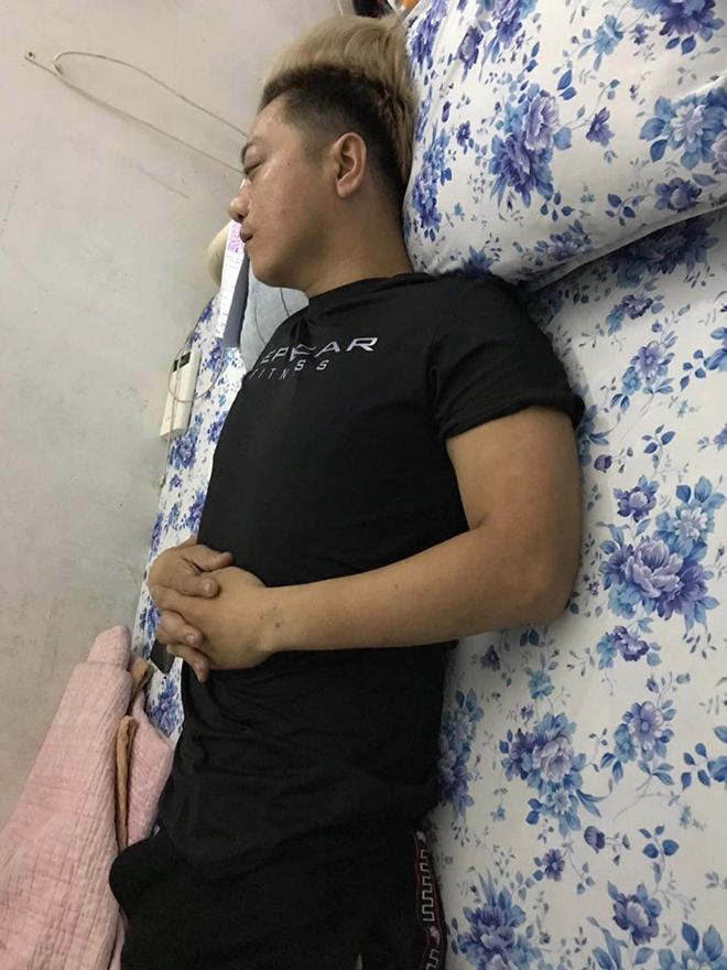 Ca sĩ Lâm Onbi tiều tụy vì ung thư não, khiến em gái Việt Hương xót xa - Ảnh 2.