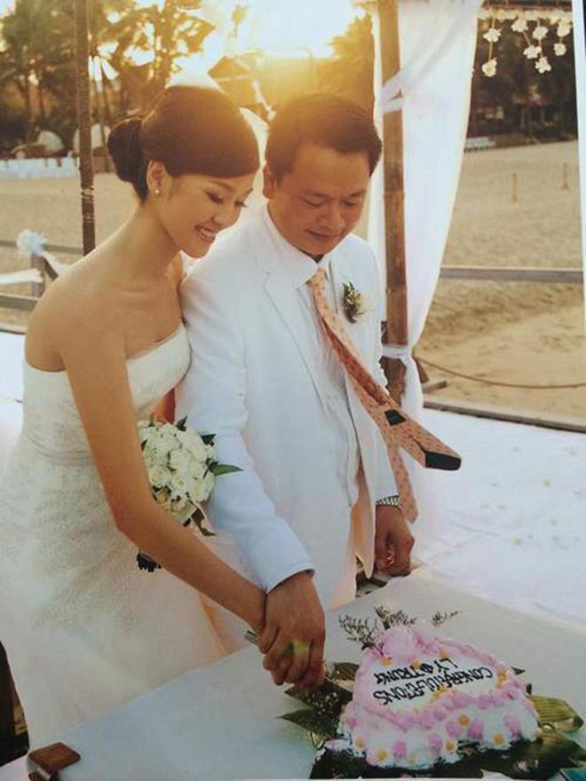 Mỹ nhân Việt lấy chồng là phó giám đốc ngân hàng, lớn hơn 17 tuổi giờ ra sao? - Ảnh 3.