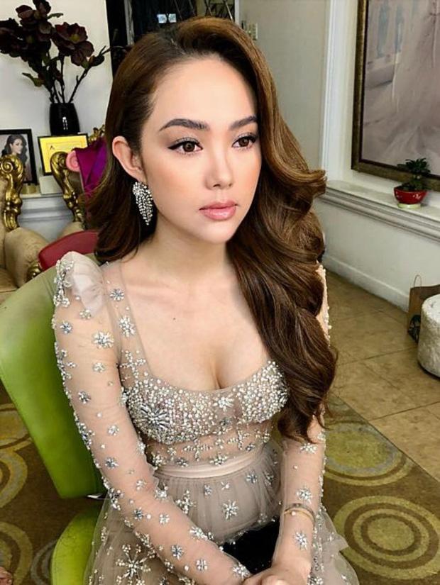 Minh Hằng dành 17 năm thanh xuân để lột xác: Từ bé Heo bị netizen tố phẫu thuật hỏng đến visual nữ thần gây bão xứ Trung - Ảnh 15.
