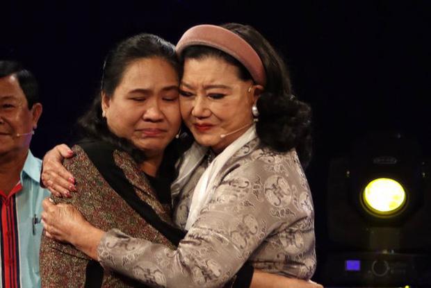 NSND Kim Cương tìm được con thất lạc sau 45 năm bị nữ y tá mang đi, cảnh đoàn tụ đẫm nước mắt - ảnh 4