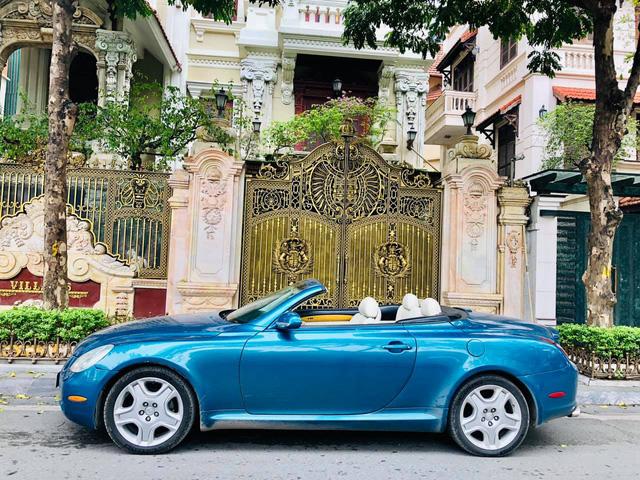 Sau 14 năm, 'xe chơi' một thời Lexus SC 430 vẫn giữ giá đắt ngang VinFast Lux A2.0 bản tiêu chuẩn - Ảnh 2.