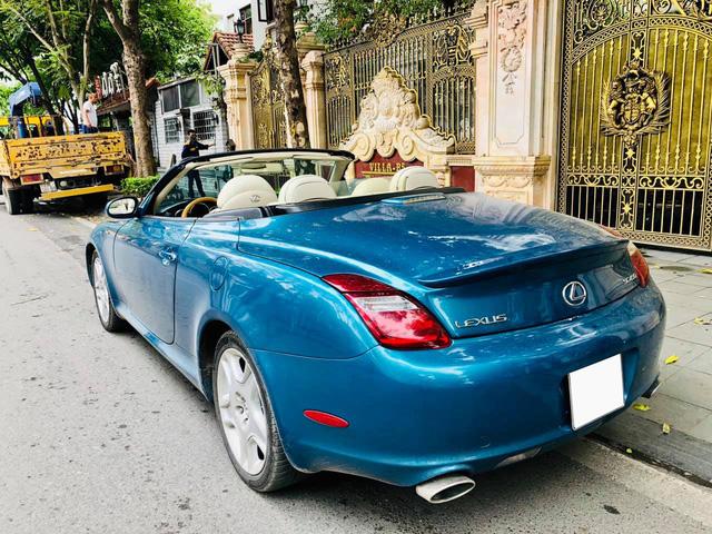 Sau 14 năm, 'xe chơi' một thời Lexus SC 430 vẫn giữ giá đắt ngang VinFast Lux A2.0 bản tiêu chuẩn - Ảnh 4.