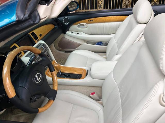 Sau 14 năm, 'xe chơi' một thời Lexus SC 430 vẫn giữ giá đắt ngang VinFast Lux A2.0 bản tiêu chuẩn - Ảnh 5.