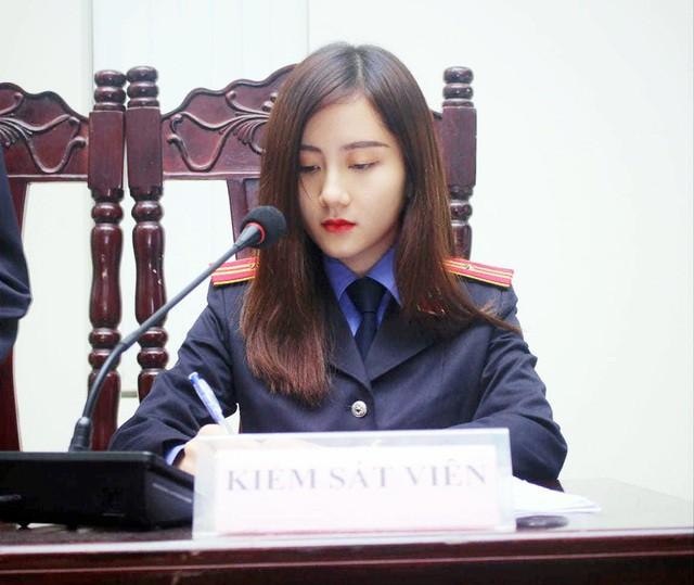 """Nữ thủ khoa ĐH Kiểm sát Hà Nội khoe nhan sắc đỉnh cao cùng bảng thành tích """"khủng"""" - Ảnh 4."""