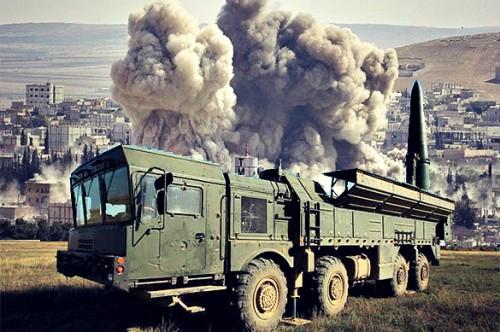 Nga ra đòn khủng khiếp chưa từng có ở Syria: Thổ Nhĩ Kỳ choáng váng, xác xe nằm la liệt - Ảnh 3.