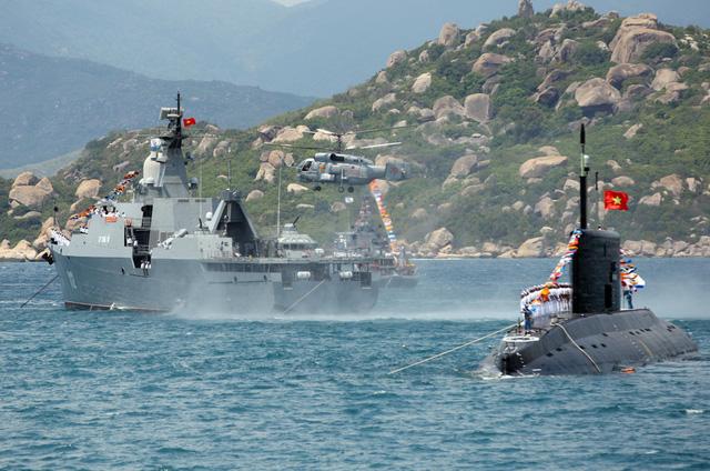 Nhiều tàu tên lửa Hải quân Việt Nam đồng loạt khai hỏa, mục tiêu tan nát: Nhìn lại khoảnh khắc ngoạn mục chưa từng có - Ảnh 2.