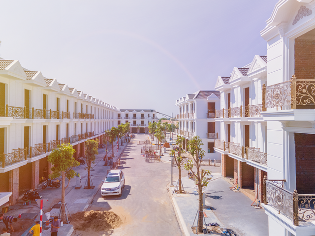 """Giới đầu tư """"hốt bạc"""" từ đầu tư nhà phố Bình Dương - Ảnh 2."""