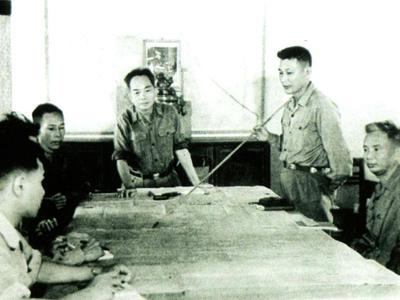 Đường 9 - Nam Lào: Bà già K2 lập công xuất sắc, thủy quân lục chiến VNCH đại bại, tháo chạy tán loạn - Ảnh 3.