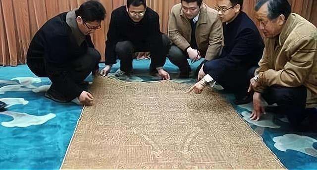 Khi cướp phá Thanh Đông lăng, Tôn Điện Anh vơ sạch từng viên ngọc nhưng lại vứt bỏ bảo vật 460 tỷ đồng, là gì? 003