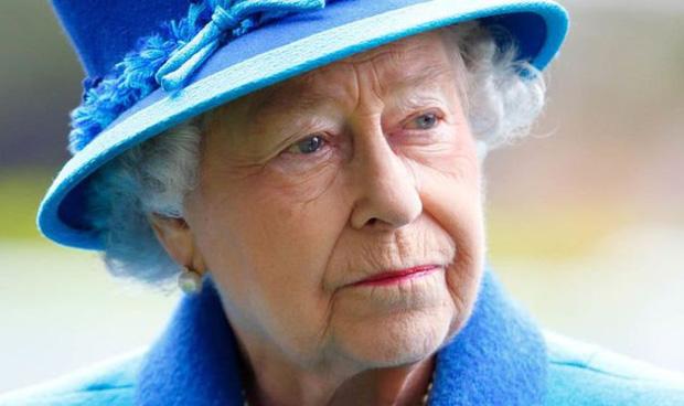 Mạnh mẽ kiên cường là thế nhưng tình trạng hiện tại của Nữ hoàng Anh hậu phỏng vấn Harry - Meghan khiến dân tình phải lo lắng - Ảnh 3.