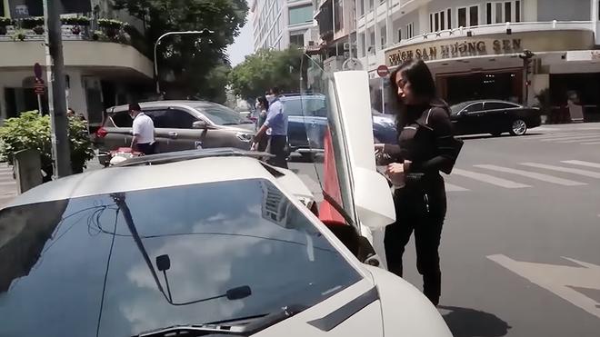 Lộ diện nữ chủ nhân 9x nóng bỏng của Lamborghini Aventador bản độ tiền tỷ siêu độc tại Việt Nam - Ảnh 2.