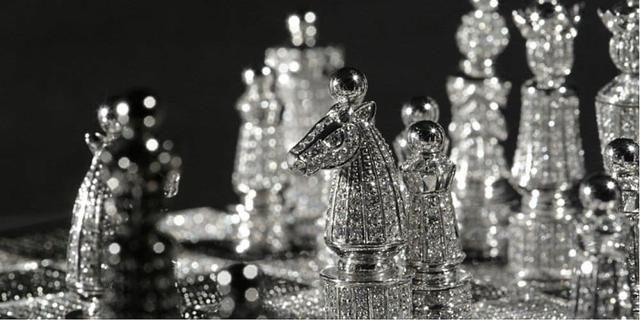 Thú vui của giới nhà giàu: Điện thoại đính kim cương, dát vàng là chuyện xưa rồi, đây mới là đỉnh cao của sự xa xỉ - Ảnh 9.