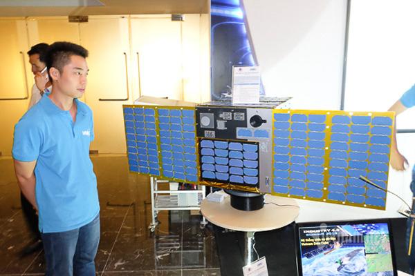 Việt Nam sẽ phóng chùm vệ tinh như Starlink của Elon Musk? - Ảnh 1.
