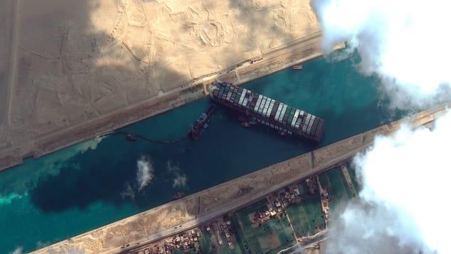 To như quả núi nhưng lại không có phanh, đây là cách những con tàu khổng lồ vượt kênh đào Suez suốt nhiều thập kỷ - ảnh 5
