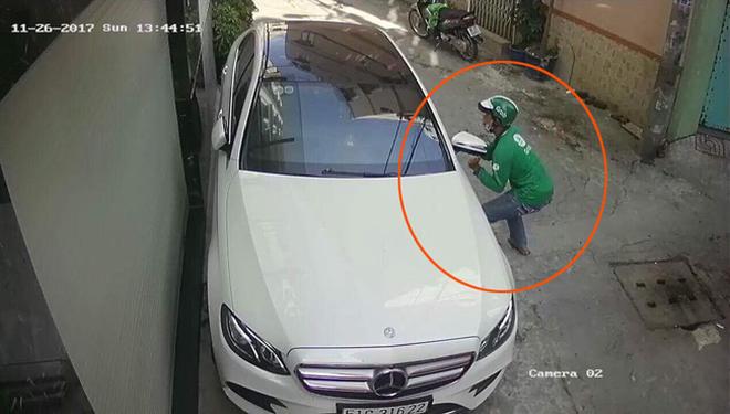 Nằm phủ bụi 5 năm tại Hà Nội, Mercedes-Benz S 63 AMG bạc tỷ khiến CĐM bàn tán khi một chi tiết vẫn nguyên vẹn - Ảnh 7.