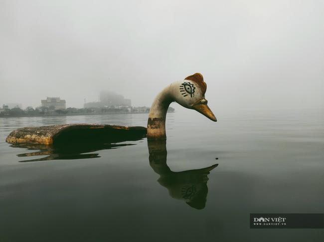 Thâm nhập nghĩa địa du thuyền ở hồ Tây: U ám, lạnh lẽo và bẩn thỉu - Ảnh 8.