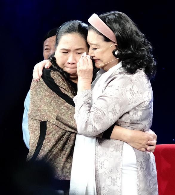 Con gái nuôi thất lạc 40 năm của NSND Kim Cương sống khó khăn trong nhà lụp xụp - Ảnh 1.