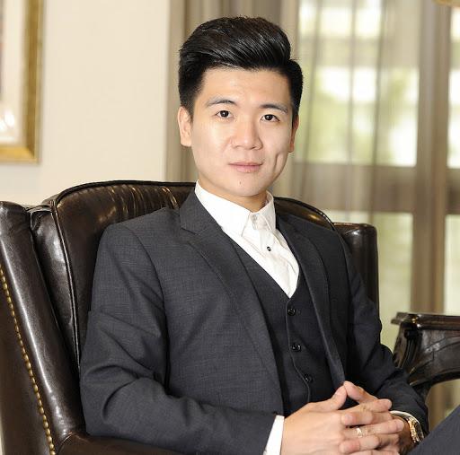 Chân dung đại thiếu gia nhà Bầu Hiển: Tự lập từ nhỏ, vừa qua tuổi 30 đã làm quản lý cấp cao của ngân hàng và Tập đoàn T&T, kiêm luôn chức chủ tịch công ty tài chính - Ảnh 1.