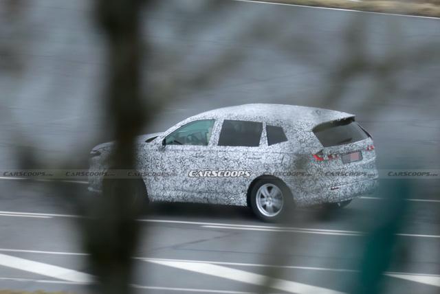 Honda CR-V đời mới lần đầu lộ diện: Nâng cấp mọi mặt, đe nẹt Mitsubishi Outlander đang làm bom tấn - Ảnh 4.