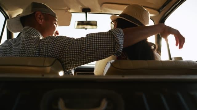 Được mách chồng chở phụ nữ trong ô tô, vợ đuổi theo rồi gặp phải cái kết ai cũng hoang mang - Ảnh 2.