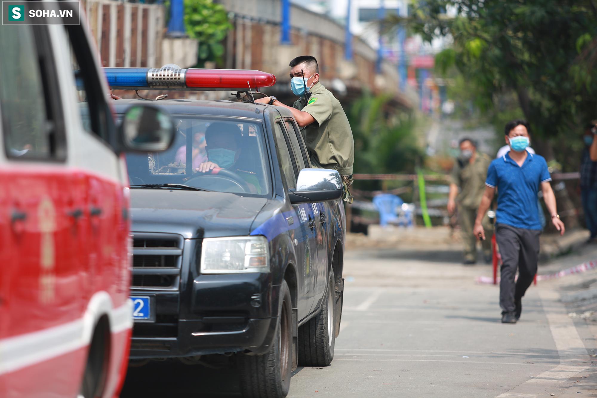Xót xa hình ảnh còn lại sau đám cháy khiến 6 người trong một gia đình tử vong ở TP.Thủ Đức - Ảnh 9.