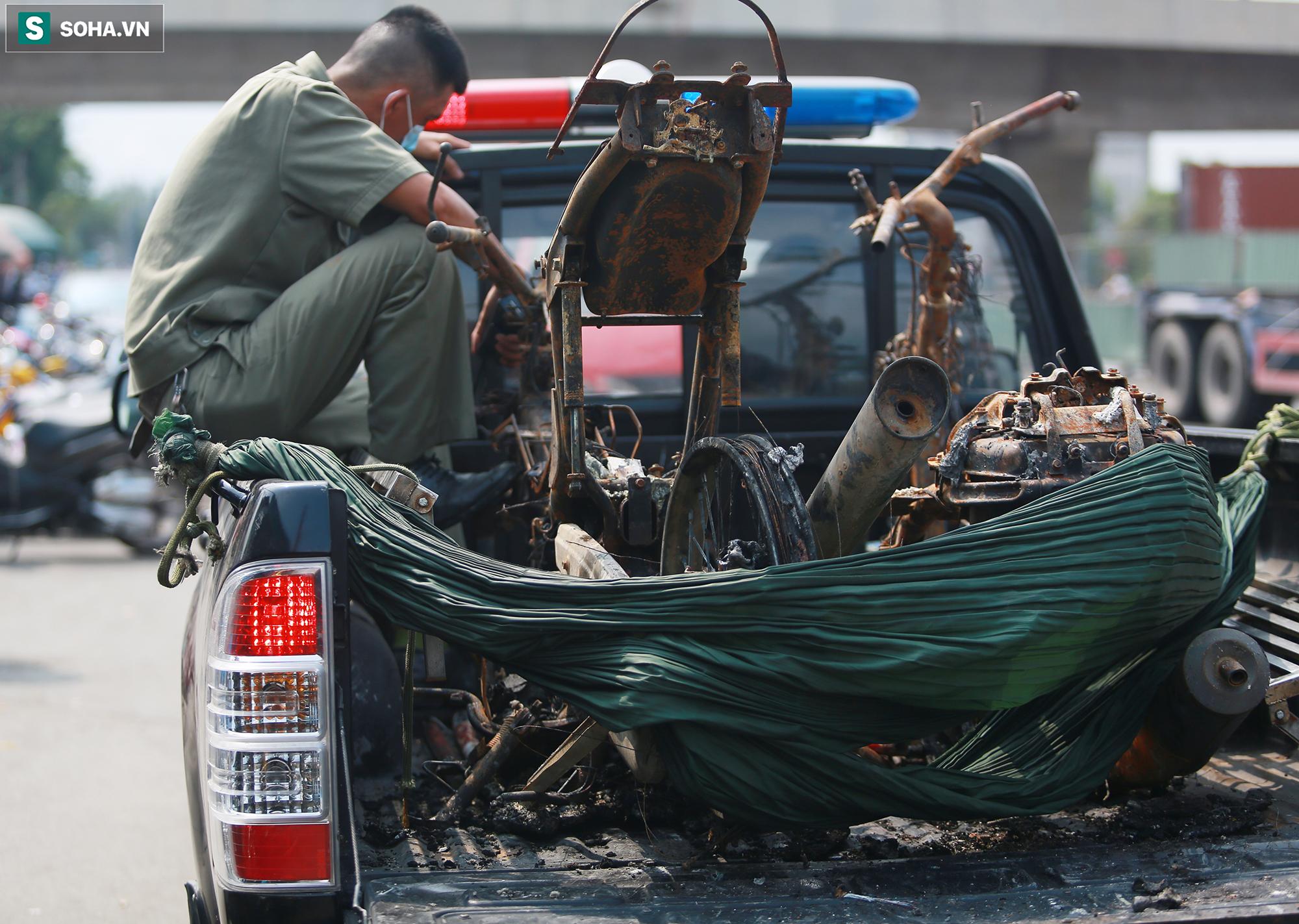 Xót xa hình ảnh còn lại sau đám cháy khiến 6 người trong một gia đình tử vong ở TP.Thủ Đức - Ảnh 10.