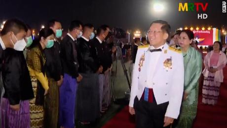 Trái ngược cuối tuần đẫm máu ở Myanmar: Quân đội tổ chức tiệc mừng ngày Lực lượng vũ trang - Ảnh 1.