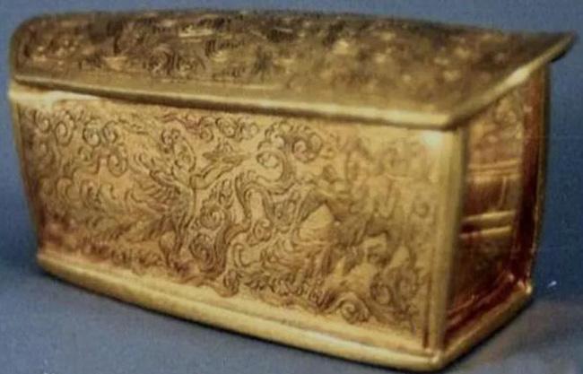 Bí mật chiếc quan tài bằng vàng 13 năm vẫn chưa được mở ra - Ảnh 3.