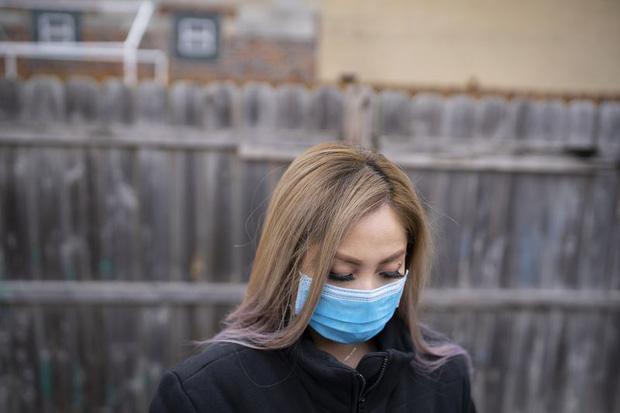Giữa làn sóng kỳ thị tấn công người gốc Á, ông bố gốc Việt bị đánh vào đầu từ phía sau, con gái uất ức lên tiếng kể lại sự việc kinh hoàng - Ảnh 2.
