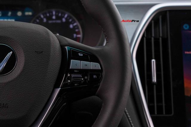 Vừa mua VinFast Lux A2.0 bản full còn chưa đăng ký đã vội lên SA2.0, chủ xe nhượng lại giá 950 triệu đồng - Ảnh 13.