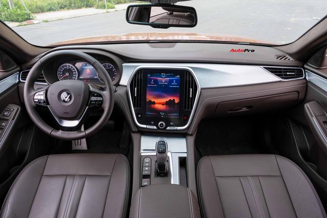Vừa mua VinFast Lux A2.0 bản full còn chưa đăng ký đã vội lên SA2.0, chủ xe nhượng lại giá 950 triệu đồng - Ảnh 10.