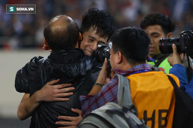 Khoảnh khắc đáng nhớ: Đình Trọng và pha cứu thua nhân ba mở đường cho kỳ tích U23 Việt Nam - Ảnh 3.