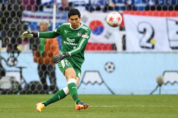 Tuyệt vọng ở Thái Lan, Văn Lâm thêm lo vì hai thói quen của bóng đá Nhật Bản - Ảnh 1.