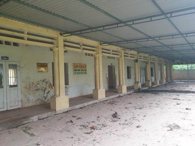 Cảnh hoang tàn ở trung tâm trị bệnh mang tên thần y Võ Hoàng Yên - Ảnh 4.