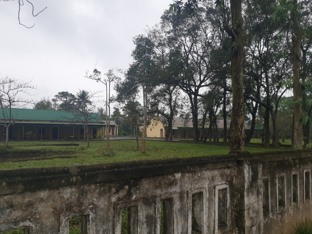 Cảnh hoang tàn ở trung tâm trị bệnh mang tên thần y Võ Hoàng Yên - Ảnh 8.