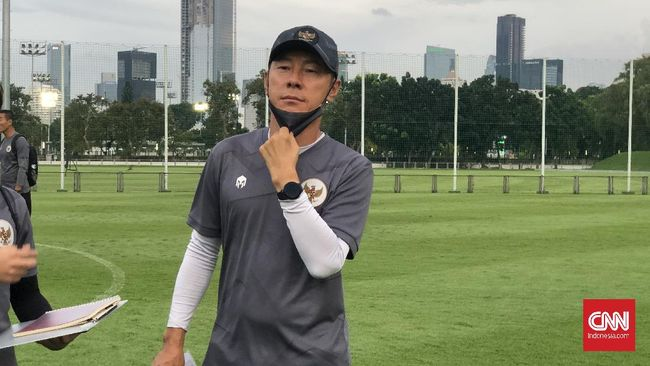 Bị cấm thi đấu đúng phút chót, đối thủ của thầy Park chán nản, nổi giận với LĐBĐ Indonesia - Ảnh 1.