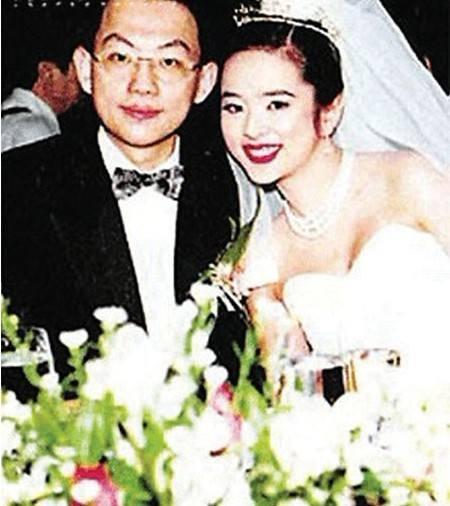 Ngọc nữ nức tiếng Hong Kong phụ bạc Lâm Chí Dĩnh, bị đại gia ruồng bỏ tuổi U50 ra sao? - Ảnh 5.