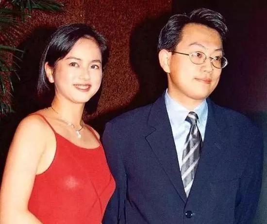 Ngọc nữ nức tiếng Hong Kong phụ bạc Lâm Chí Dĩnh, bị đại gia ruồng bỏ tuổi U50 ra sao? - Ảnh 6.